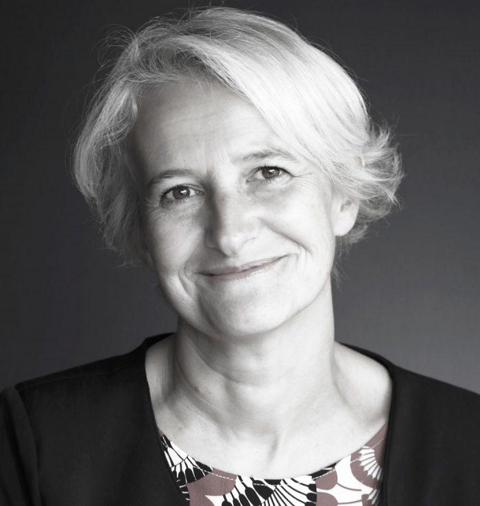portrait photo Linkedin CV noir et blanc