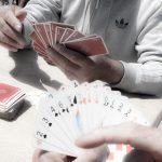 ingrid à Cannes 69 hommes jouant aux cartes